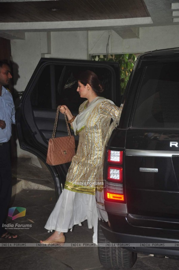 Twinkle Khann at Sonali Bendre's Ganesh Chaturthi Celebration