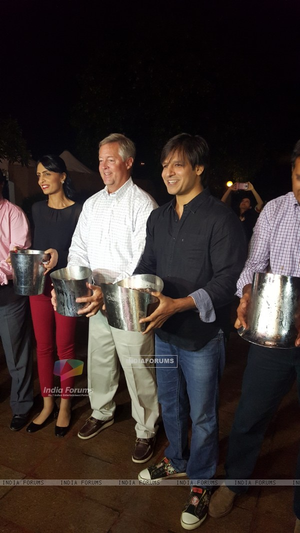 Vivek Oberoi takes on ALS Ice Bucket Challenge