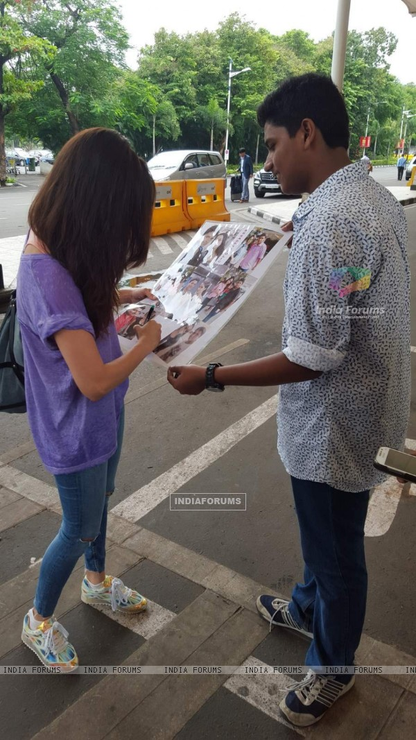 Shraddha Kapoor meets her biggest fan