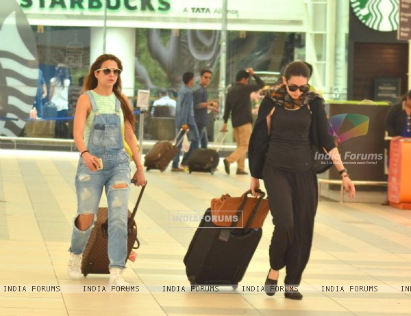 Karisma Kapoor and Amrita Arora are Back from Kareena Kapoor's