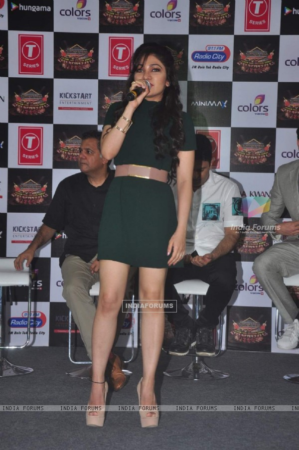 Tulsi Kumar performs at Suron Ke Rang Colors Ke Sang