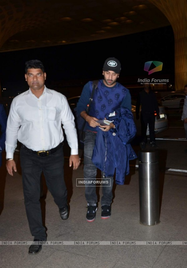 Ranbir Kapoor Leaves for London