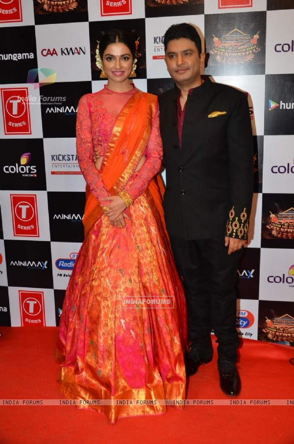 Gorgeous Divya Khosla and Bhushan Kumar Pays Tribute to Gulshan Kumar