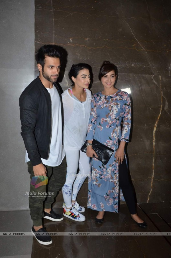 Rithvik Dhanjani, Bani J and Gauahar Khan at Premiere of Intent