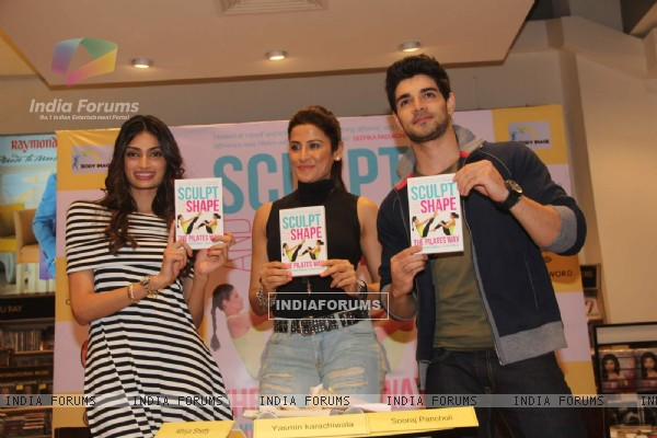 Athiya Shetty and Sooraj Pancholi at Yasmin Karachiwala's Book Singing Event