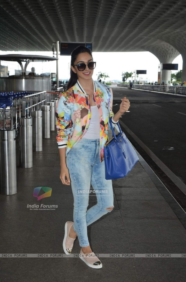Kiara Advani poses for the media at Airport