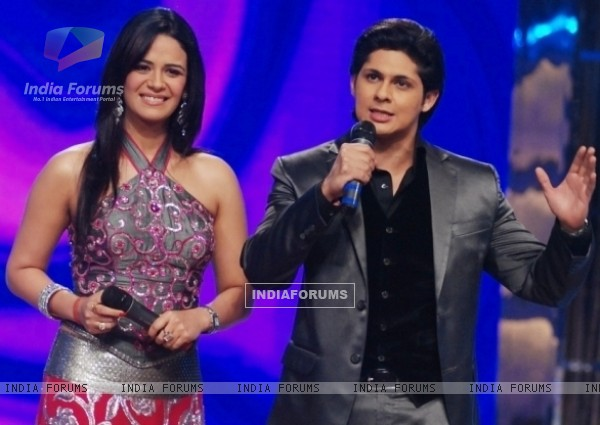 Mona and Vishal as a host