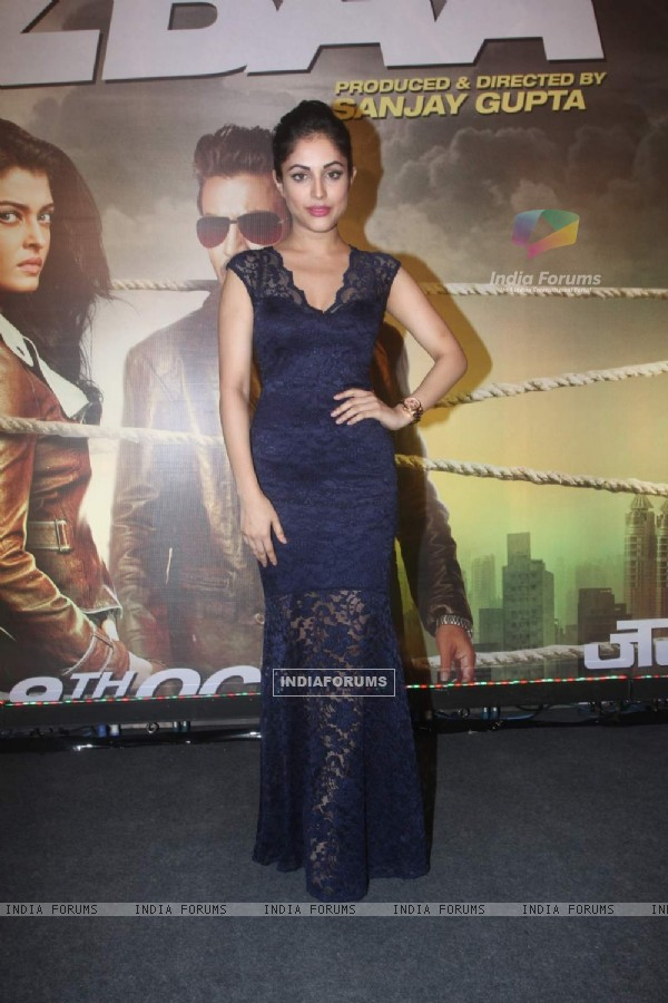 Priya Banerjee at Premiere of Jazbaa