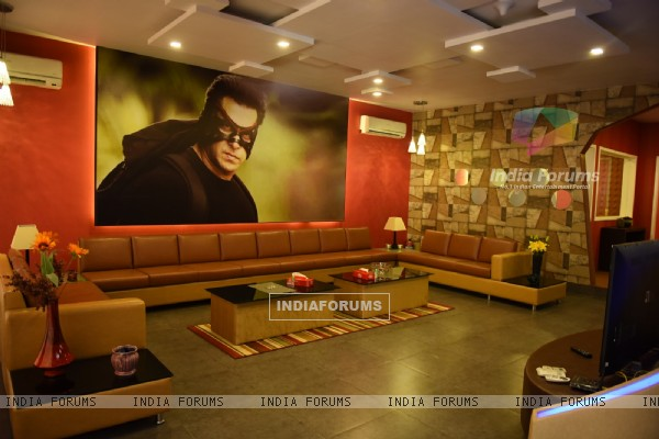 Salman Khans Chalet At Bigg Boss Gets A Superhero Twist Bb9 India Forums