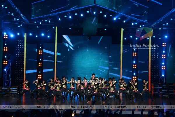 V Company Performs at Dance Plus Grand Finale