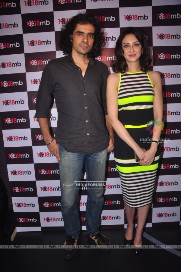 Imtiaz Ali poses with Saumya Tandon at the Launch of her First Entrepreneurial Venture