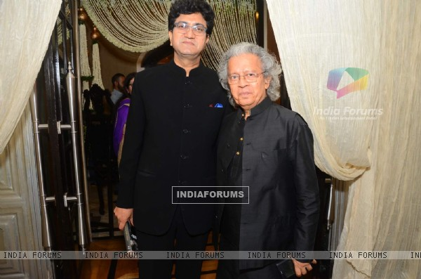 Prasoon Joshi was at Breakthrough Mission Hazaar Event