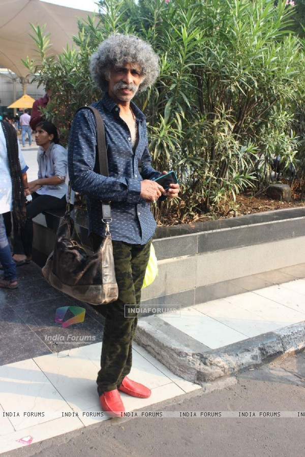 Makarand Deshpande Snapped at Airport