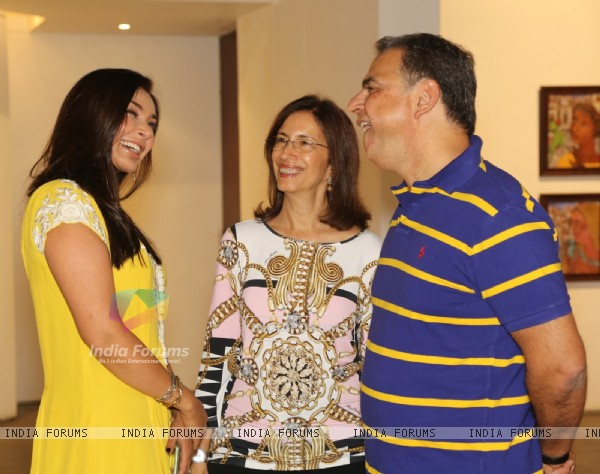 Lisa Ray at 'Song of Life' - Art Exhibition