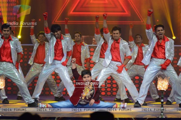 Akshat Performs at Life OK's Special Shoot - Prem Ki Diwali