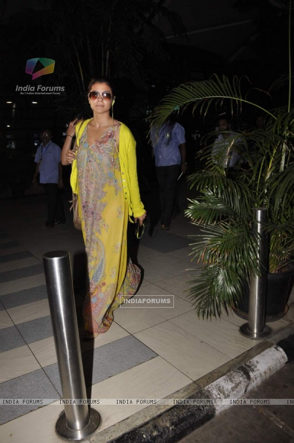 Kajol Snapped at Airport