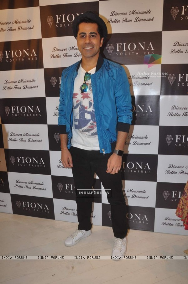 Gunjan Utreja at Launch of Fiona Solitaires Stores