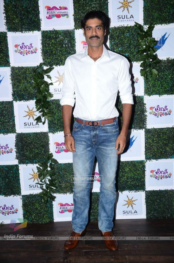 Sikander Kher at Sula Wines Bash