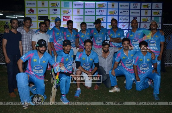 Celebs at Mumbai Heroes Corporate Cricket Match