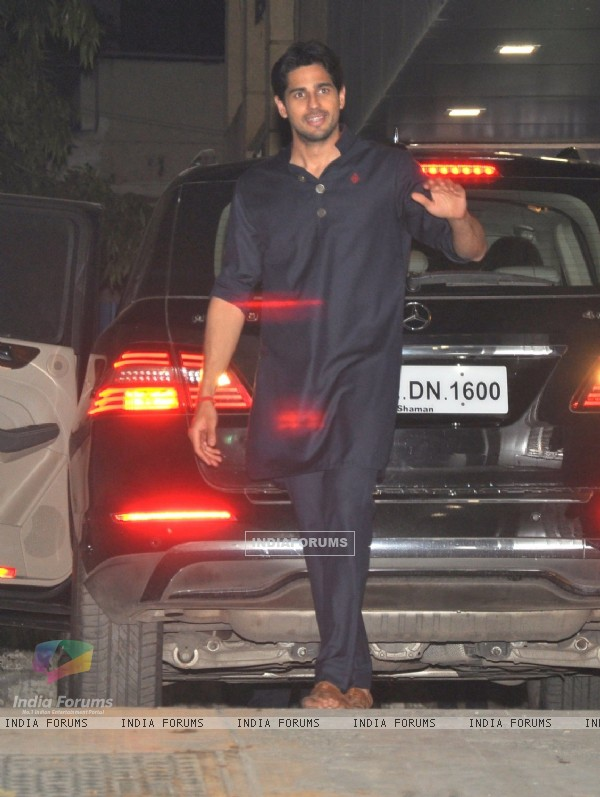 Sidharth Malhotra at Exceed Entertainment's Diwali Bash