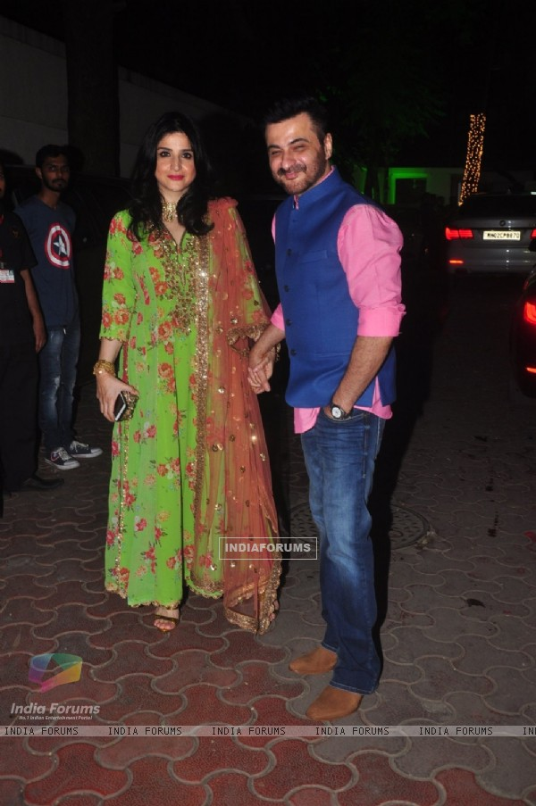 Sanjay and Maheep  Kapoor at Shilpa Shetty's Diwali Bash