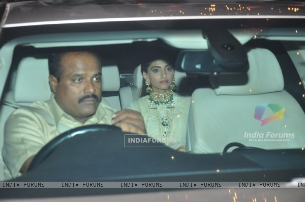 Sonam Kapoor at Big B's Diwali Bash