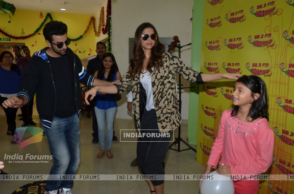 Ranbir Kapoor and Deepika Padukone shake a leg at the Promotions of Tamasha on Radio Mirchi
