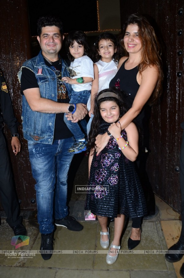 Dabboo Ratnani with kids and wife at Aaradhya Bachchan's Birthday Bash