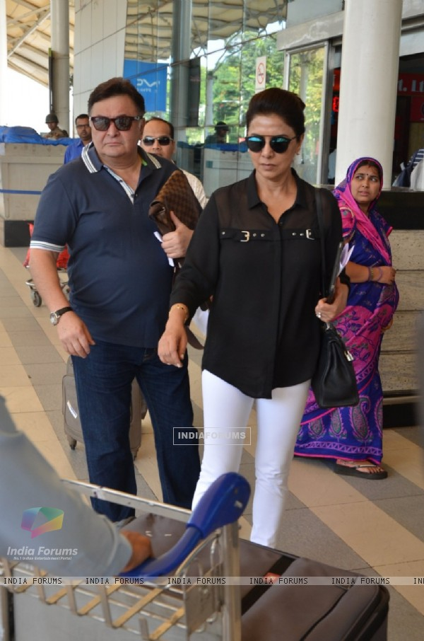Rishi Kapoor and Neetu Singh Snapped at Airport