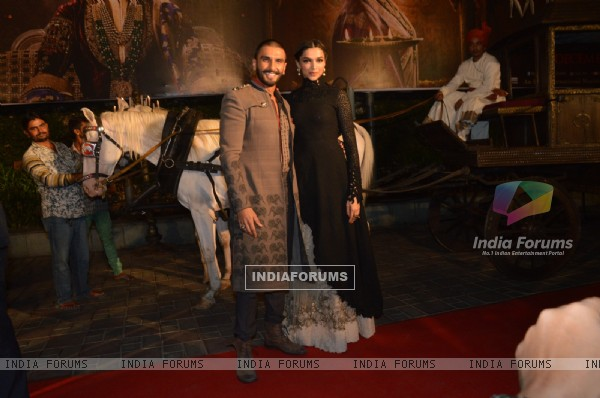 Ranveer and Deepika naied it at Trailer Launch of 'Bajirao Mastani'