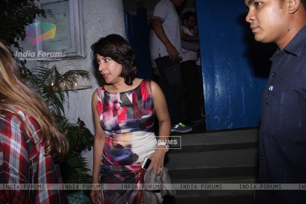 Divya Seth Meets Shah Rukh Khan at Olive
