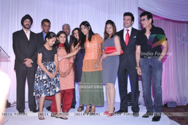 The cast and crew at the launch of Bayttaab Dil Kee Tamanna Hai