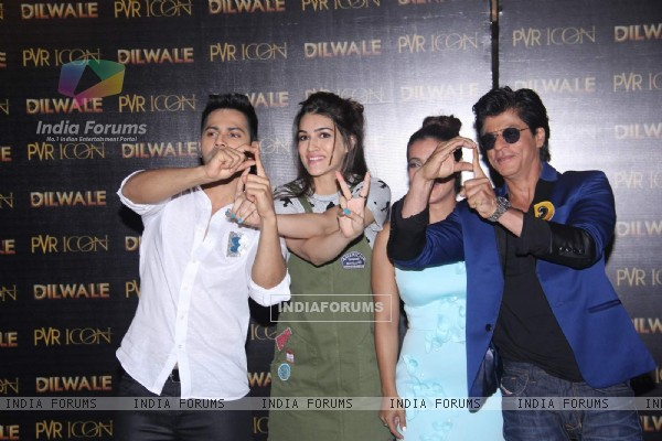 SRK - Kajol, Varun - Kriti Sanon at Launch of 'Manma Emotion Jaage' Song of Dilwale
