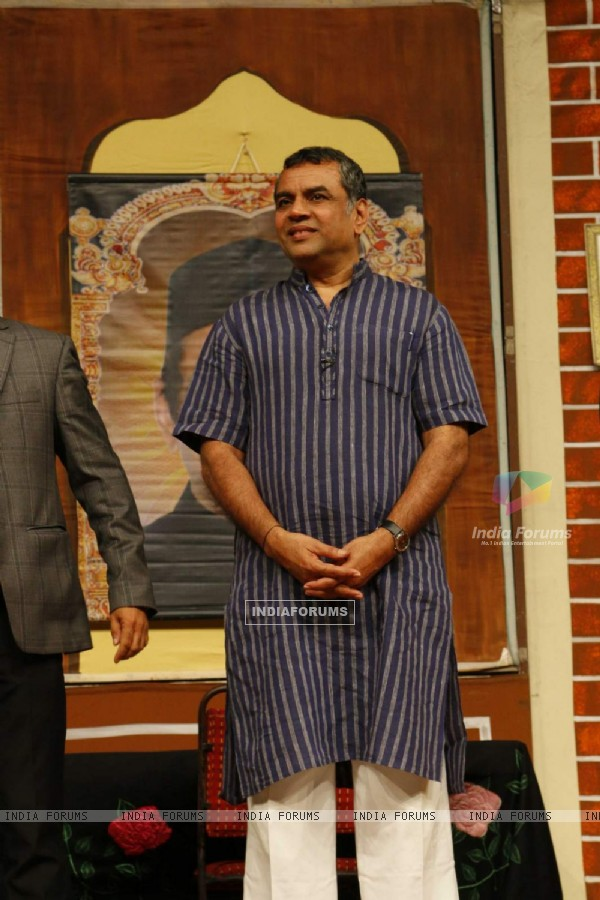 Paresh Rawal Acts in Play 'Krishan vs Kanhaiya'