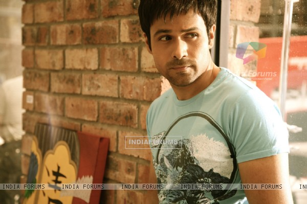 Emraan Hashmi looking gorgeous