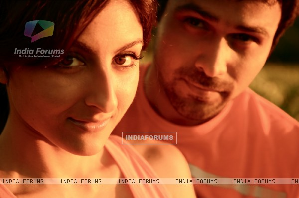 A still image of Emraan Hashmi and Soha Ali Khan