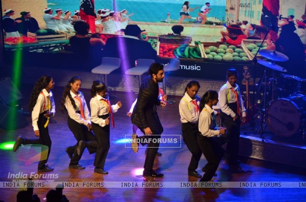 Ranbir Kapoor Performs on 'Matargashti' Song at CCDT NGO Event