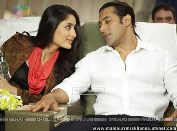 Salman Khan flirting with Kareena Kapoor