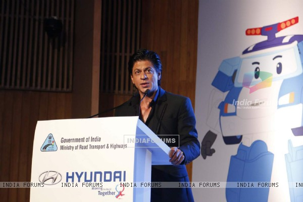 Shah Rukh Khan at Launch of 'Safe Move' Traffic Safety Campaign