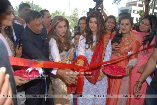 Dimple Kapadia and Twinkle Khanna at Inaugration of 'Ranka' Jewellers in Pune