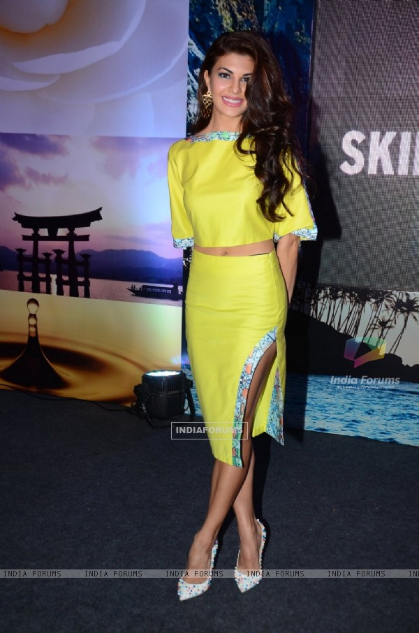 Jacqueline Fernandes at Promotional Event of 'The Body Shop'