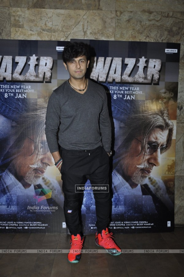 Sonu Niigam at Promotions of 'Wazir'