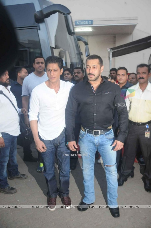 Salman Khan and Shah Rukh Khan Shoots for BB9 Promo