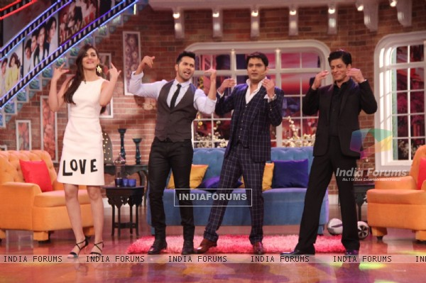 Shah Rukh Khan, Varun Dhawan and Kriti Sanon Shakes a Leg with Kapil Sharma on 'Manma Emotion' Song