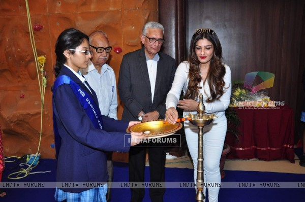 Raveena Tandon Inaugurates JNIS Sports Playground
