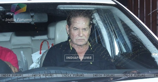 Salim Khan Snapped at Galaxy Apartments