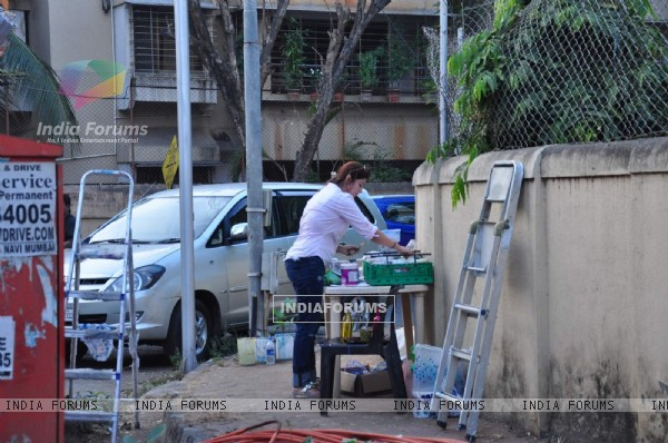 Twinkle Khanna Paints Trees in Juhu for a Cause