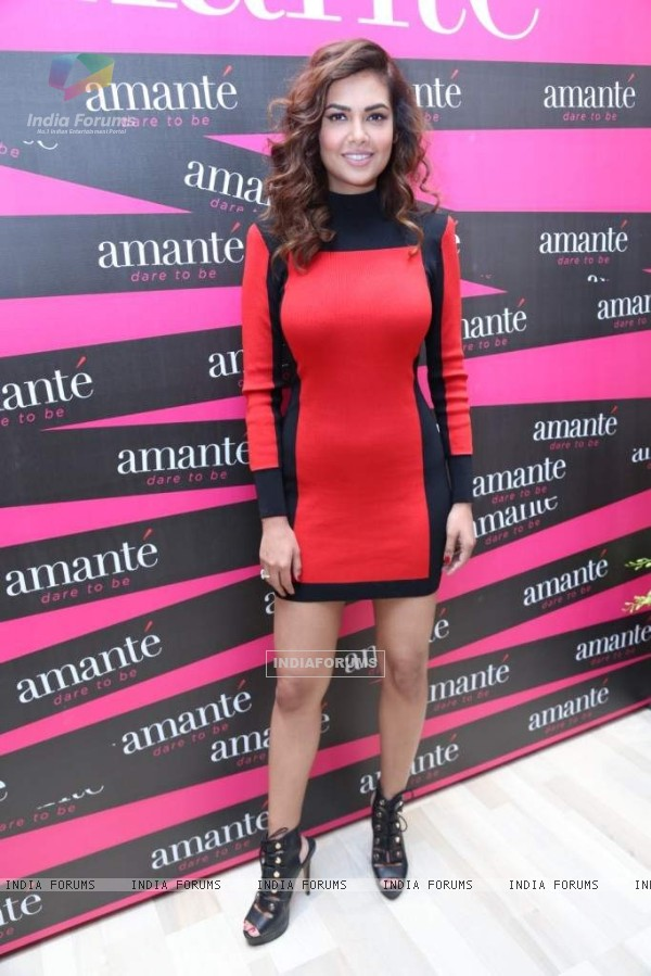 Esha Gupta poses for the media at the Store Launch Of Amante