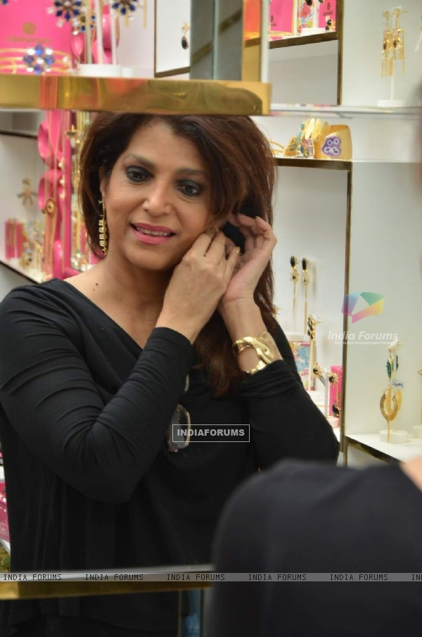 Bina Aziz at Launch of Mitaali Vohra's Bohemian Store