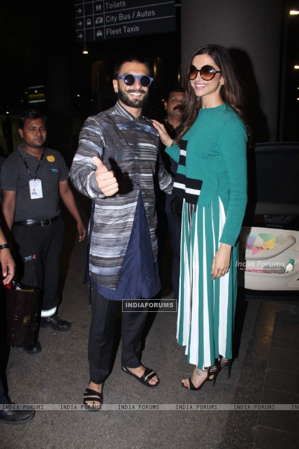 Ranveer Singh and Deepika Padukone Snapped at Airport